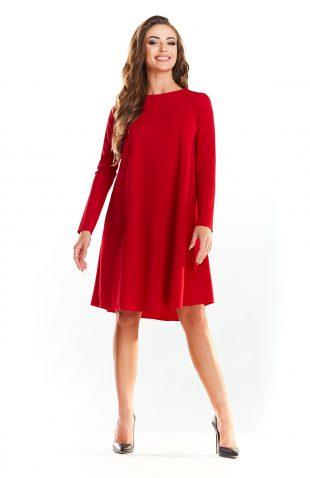 Trapezowa prosta sukienka do kolan czerwona