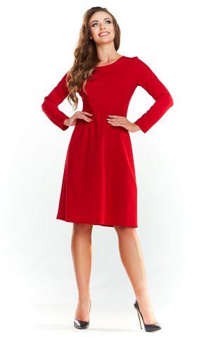 Klasyczna rozkloszowana sukienka do kolan czerwona