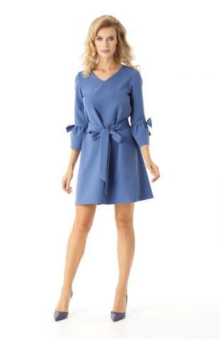Sukienka trapezowa z falbankami niebieska