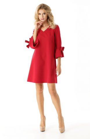 Sukienka trapezowa z falbankami czerwona