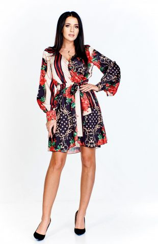 Sukienka kopertowa rozkloszowana we wzory