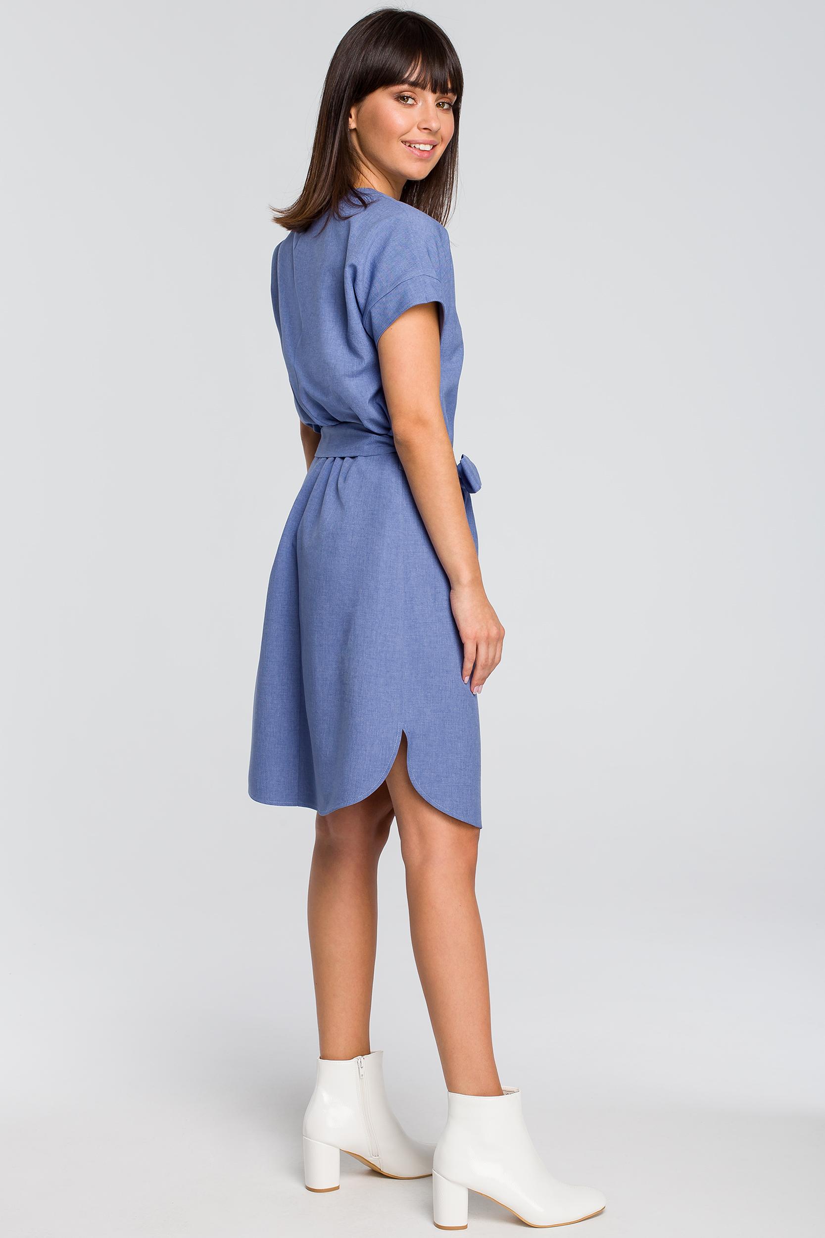 5c3bce80 Sukienka zapinana na guziki niebieska