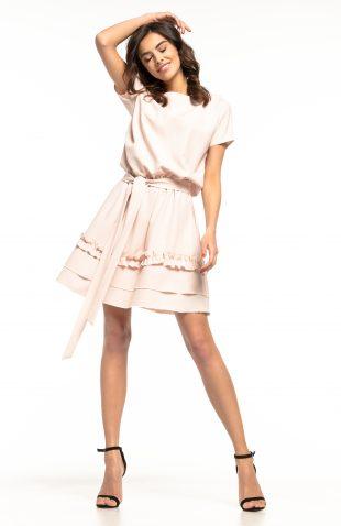 Sukienka rozkloszowana z falbanką różowa