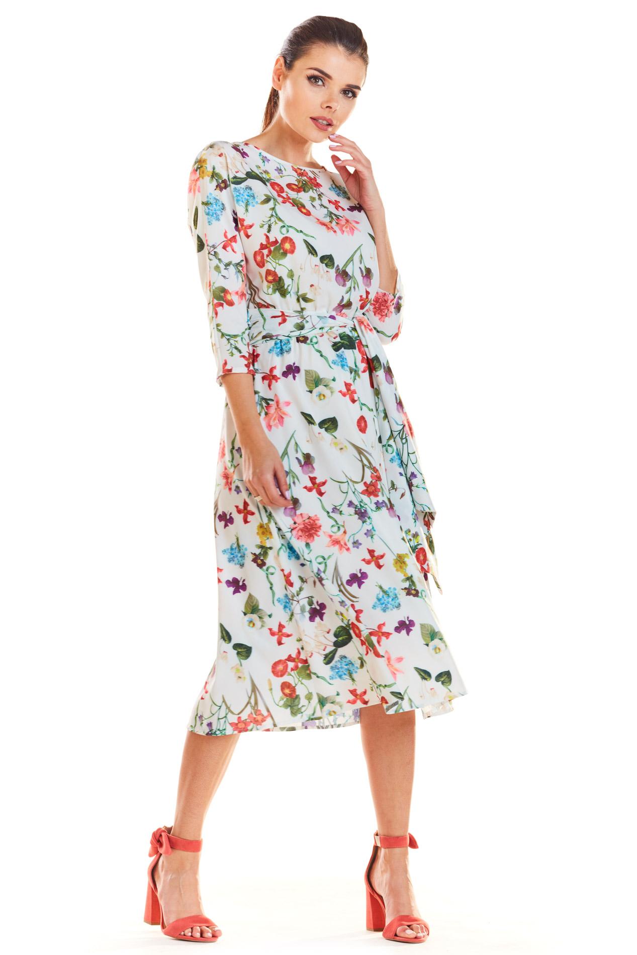 ff7a389d67 Sukienka midi rozkloszowana w kwiaty ecru - kurier już od 5