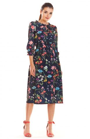 Sukienka midi w kwiaty z gumką w pasie
