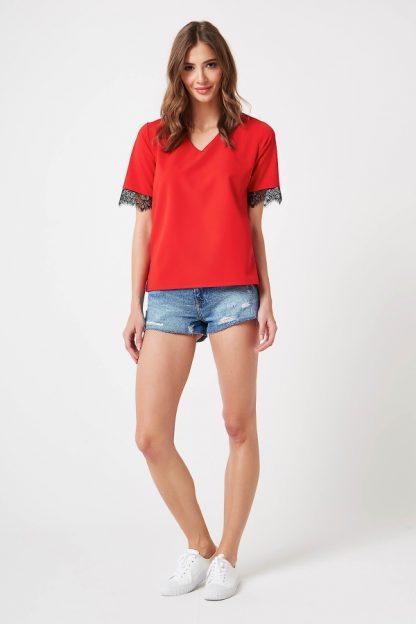 Elegancka bluzka z koronką czerwona