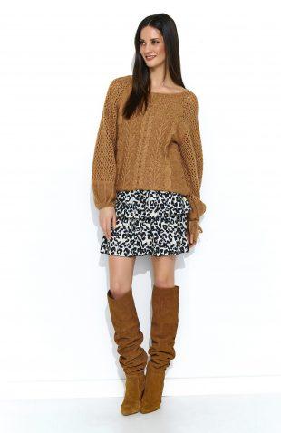 Sweter oversize z szerokimi rękawami camel