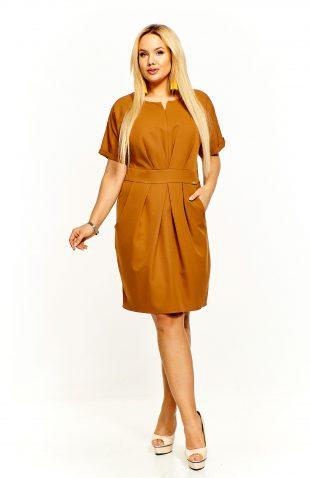 Sukienka ołówkowa przed kolano karmelowa