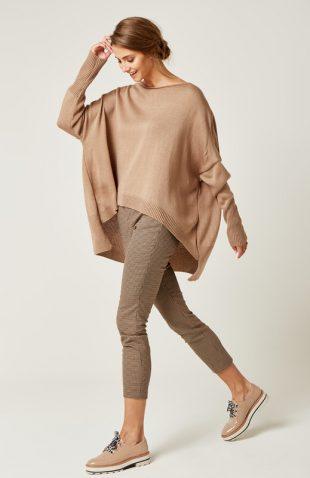 Sweter oversize z dłuższym tyłem brązowy