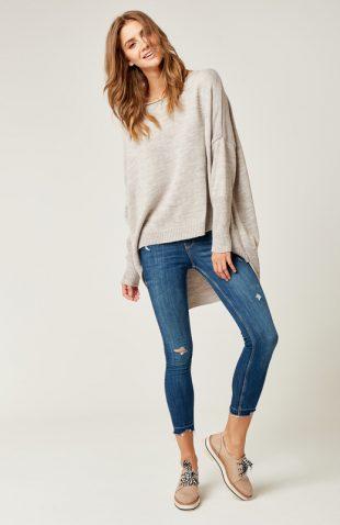 Sweter oversize z dłuższym tyłem beżowy