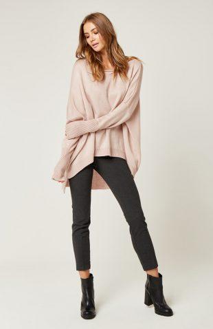 Sweter oversize z dłuższym tyłem różowy