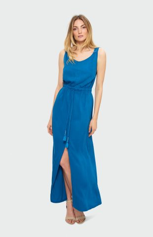 Sukienka na ramiączka maxi niebieska