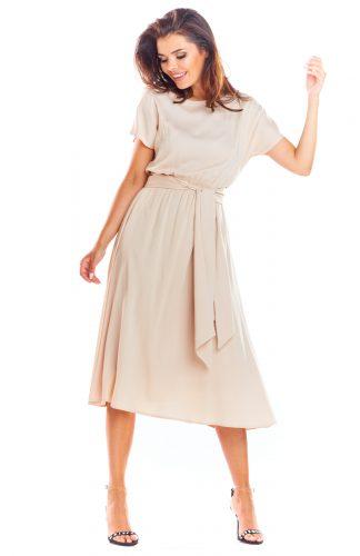 Zwiewna sukienka na lato beżowa