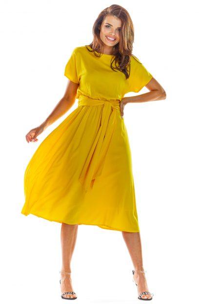 Zwiewna sukienka na lato żółta