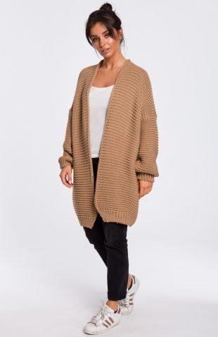 Sweter z szerokimi rękawami karmelowy