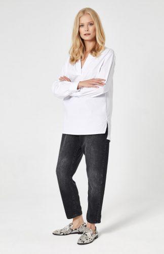 Koszula z przedłużanym tyłem biała