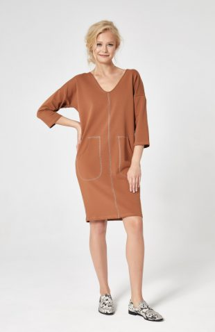 Sukienka dresowa trapezowa cynamonowa