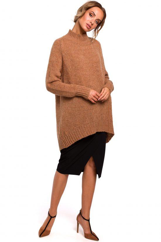 Długi sweter z golfem