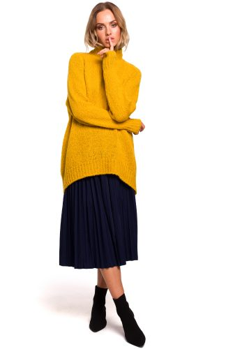 Długi sweter z golfem miodowy