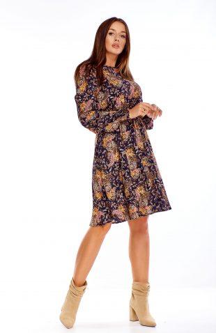 Sukienka rozkloszowana we wzory