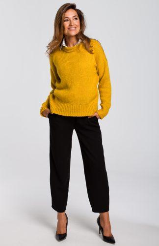 Sweter wkładany przez głowę miodowy