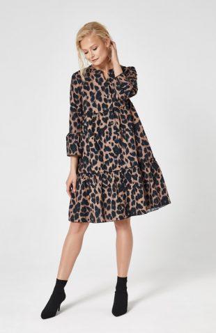 Sukienka w panterkę z falbanami