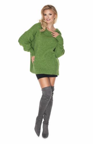 Sweter oversize w łódkę zielony