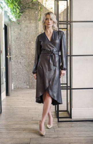 Sukienka kopertowa połyskująca