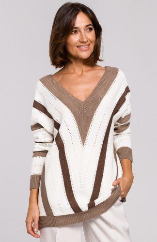 Sweter oversize z dekoltem brąz