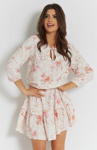 Zwiewna sukienka mini z falbanami