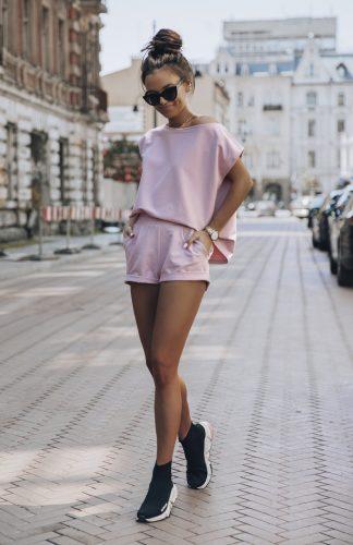 Komplet dresowy różowy krótkie spodenki