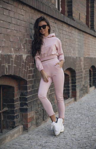 Komplet dresowy różowy krótka bluza