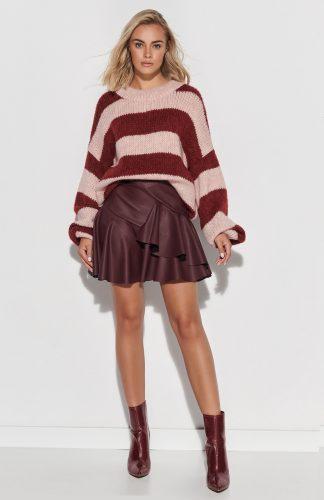 Sweter ovesize ciepły w paski róż bordo