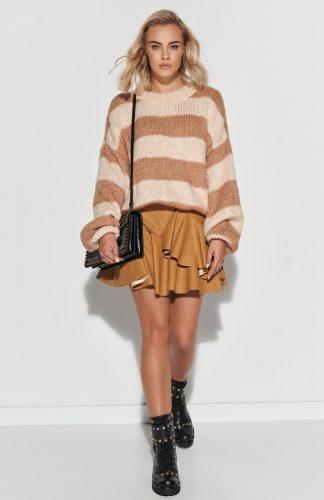 Sweter ovesize ciepły w paski camel beż
