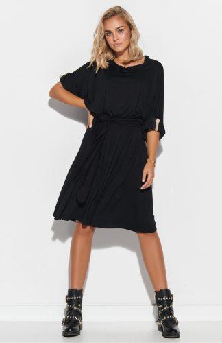 Sukienka oversize rozkloszowana z paskiem czarna