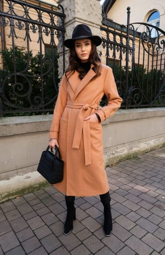 Płaszcz damski długi elegancki z paskiem beżowy