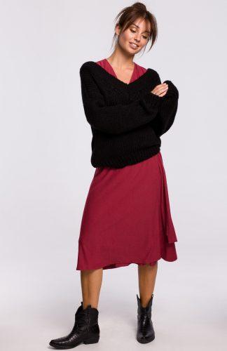 Sweter w serek z grubej przędzy czarny