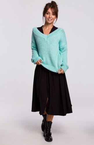 Sweter w serek z grubej przędzy miętowy