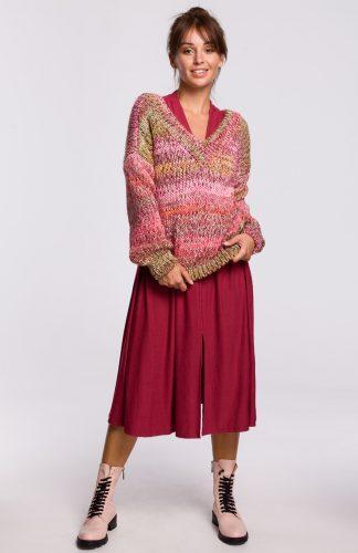 Sweter w serek z grubej przędzy malinowy
