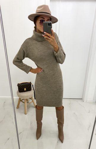 Sukienka swetrowa z golfem ciepła mocca