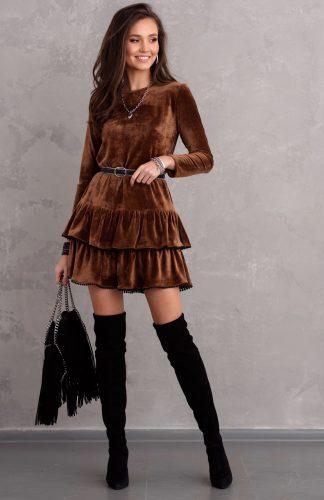 Sukienka welurowa rozkloszowana z falbanami brązowa