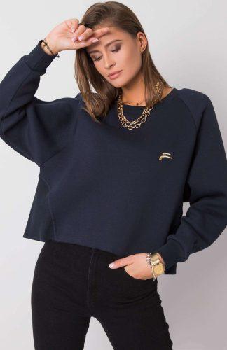 Krótka bluza bawełniana oversize granat, to wygodna propozycja na co dzień. Wykonana z przyjemnej dla ciała, miękkiej bawełny, o grubszej fakturze.