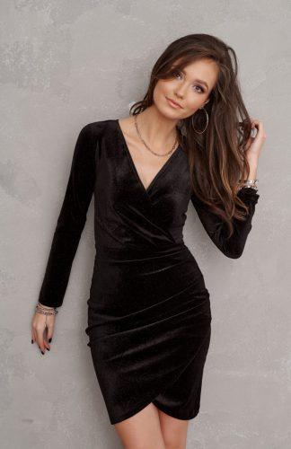 Sukienka welurowa kopertowa mini czarna