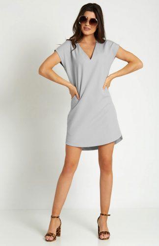 Sukienka mini z dekoltem typu V