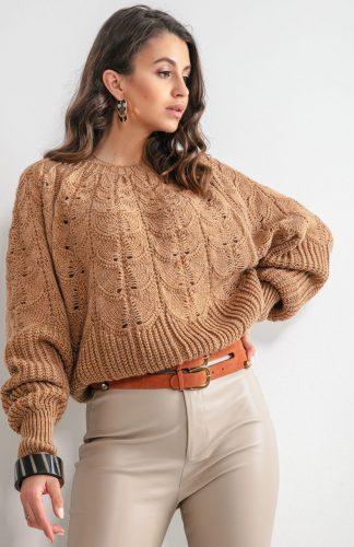 Sweter ażurowy krótki karmelowy
