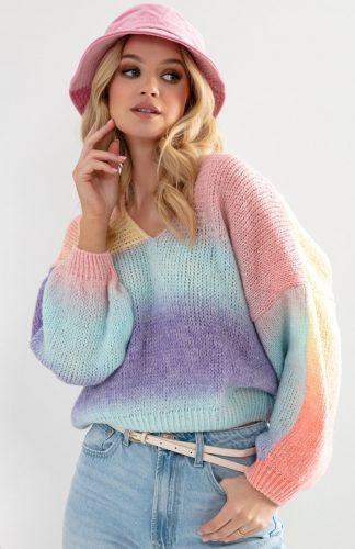 Sweter oversize w serek kolorowy