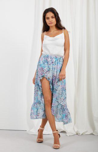 Długa zwiewna spódnica z falbaną i z jedwabiem