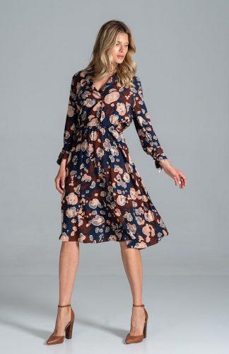 Sukienka koszulowa z rozkloszowanym dołem we wzory